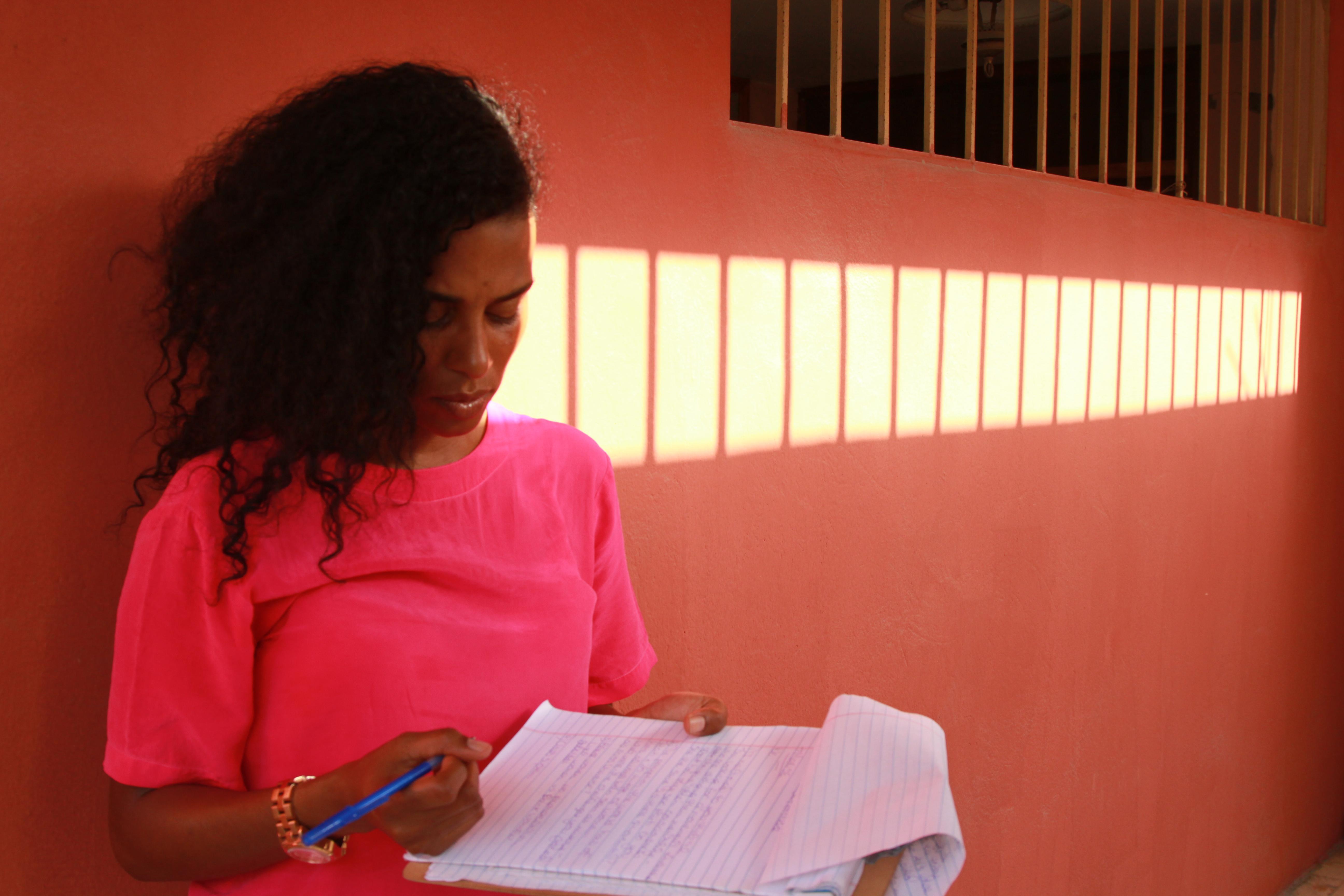 Pink shirt Brochure